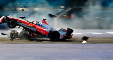 Felix Rosenqvist bryter dramatiskt Formel E-race i Mexico City
