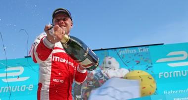 Rosenqvist följer upp första segern med andraplats i Berlin