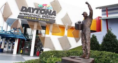 Felix Rosenqvist tar plats bredvid F1-förare i Daytona 24-timmars