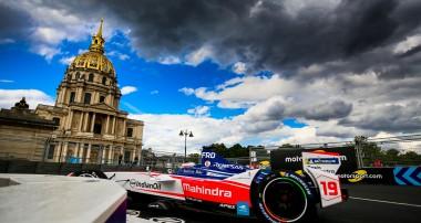 Felix Rosenqvist scores points in challenging Paris E-Prix