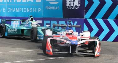 Felix Rosenqvist avslutar med topp fem i Formel E-finalen